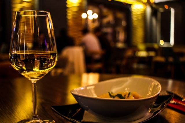 dinner02-pexels-photo-370984